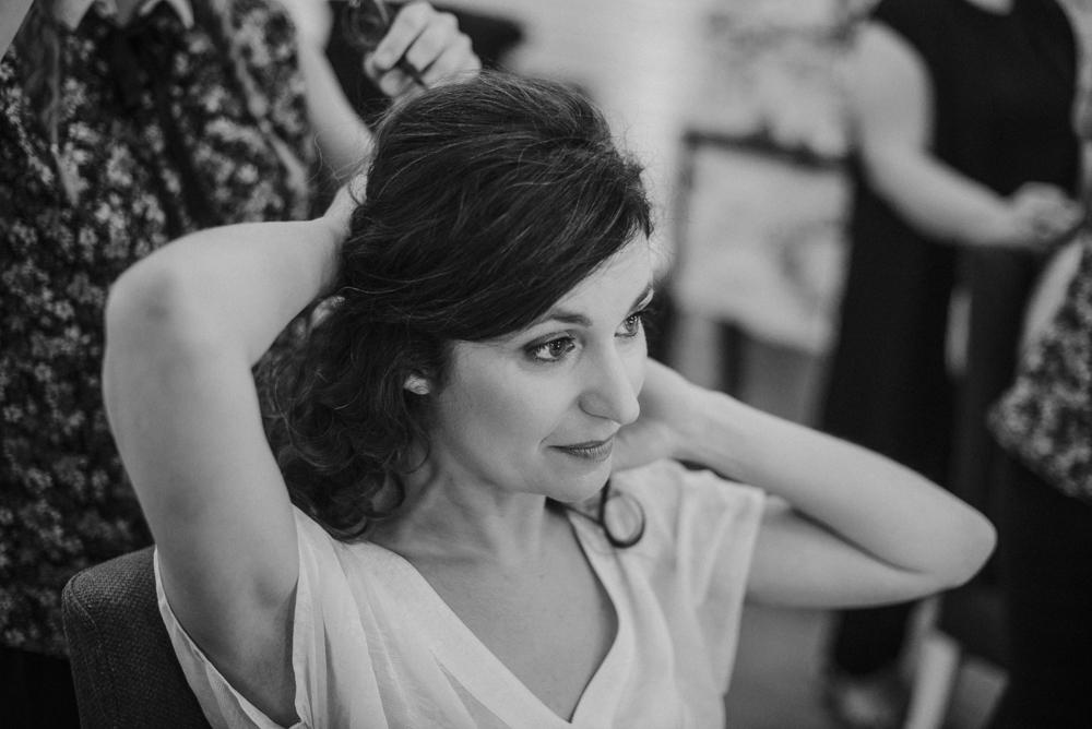 Preparativos de la novia, Simona Gijón